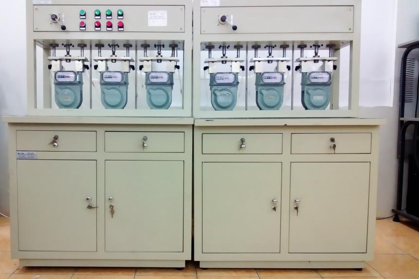 máy kiểm tra chất lượng hoạt động như thế nào?